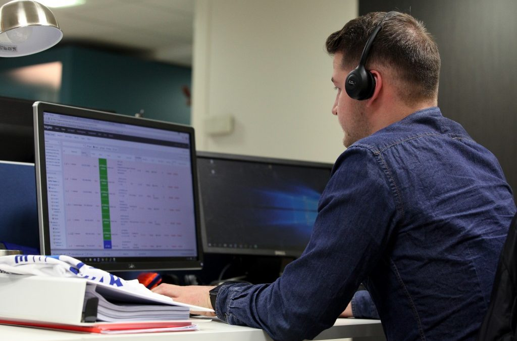 BEST PRACTICES: how your IT monitoring system can help you to reduce the number of calls to the helpdesk?